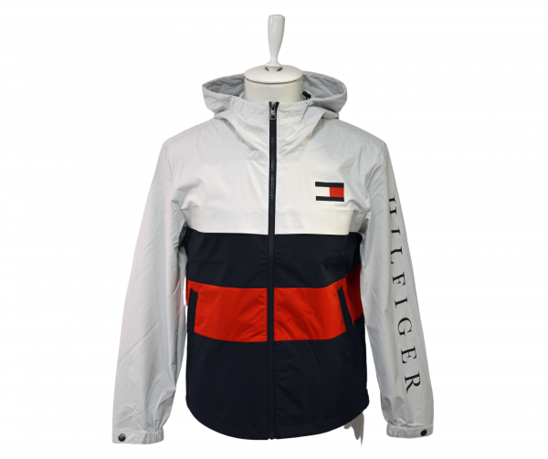 tommy hilfiger ie_8
